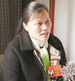 """李小莉代表:""""送法进校园""""活动深入人心"""